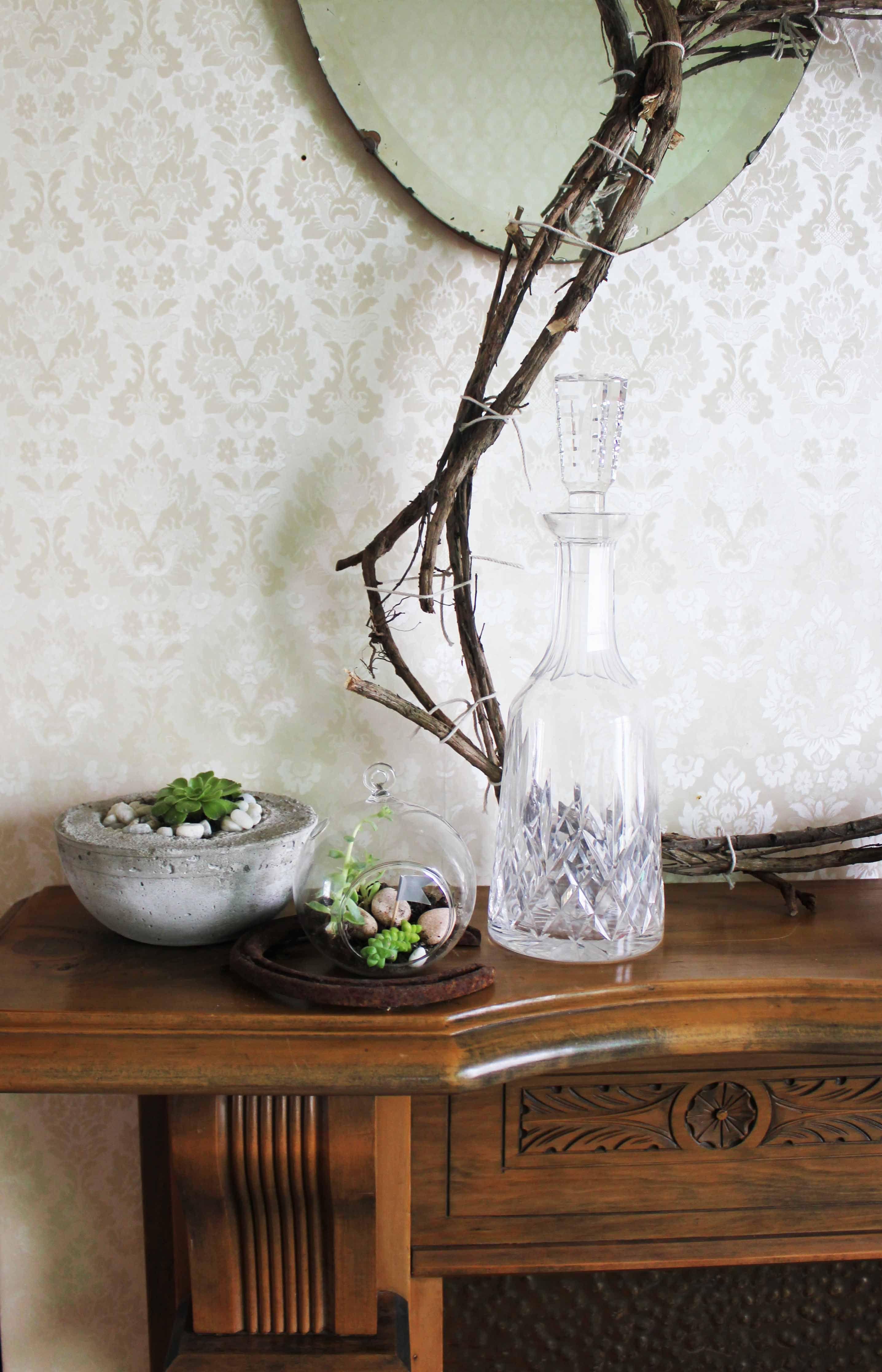 How to make your own terrarium www.diydiva.co.nz/ Vase
