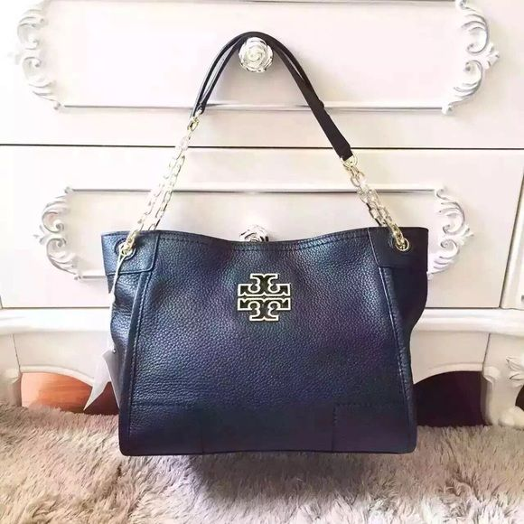 a1b67966fc9c Tort Burch Britten slouchy tote  black NWT   100% authentic💛 Tory Burch  Bags Totes