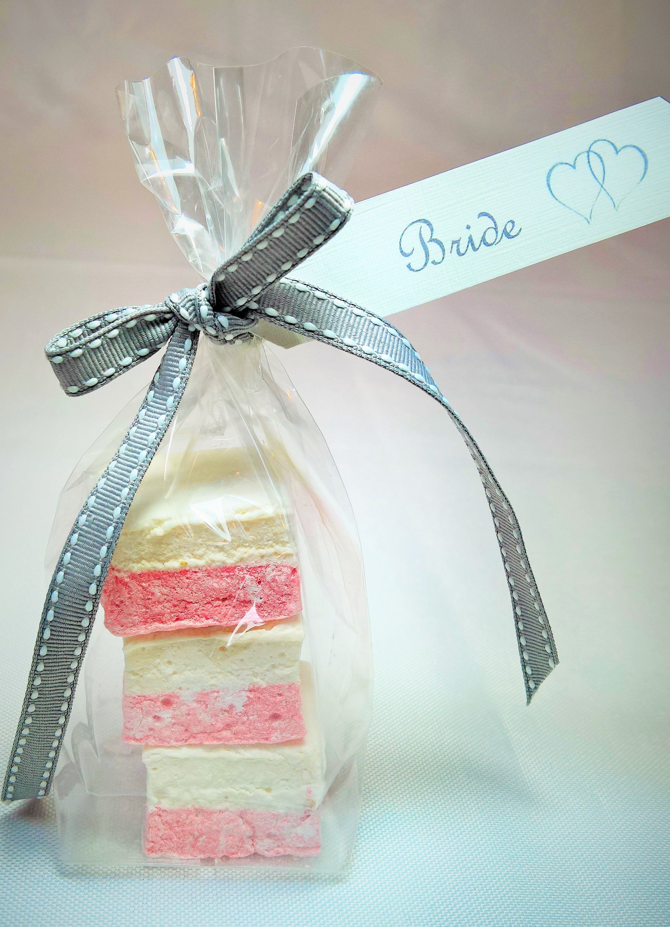marshmallow wedding favour bags | www.sugarbcakes.co.uk | Pinterest ...