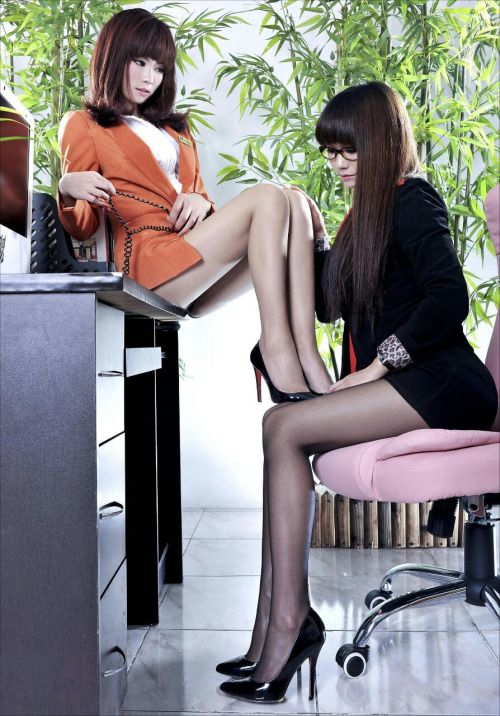 Pin On Beautiful Secretaries In Business Suits-4469