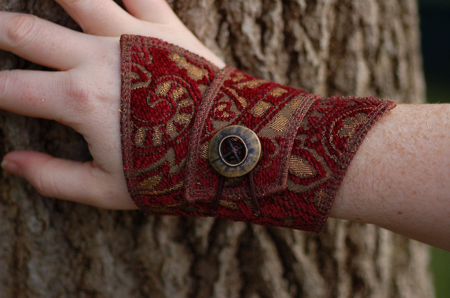 fabric cuff bracelet with steampunk button. Black Bedroom Furniture Sets. Home Design Ideas
