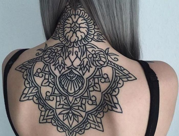 Tatouage Haut Du Dos Femme Tattoo Nuque Fleurs Lotus Mandala