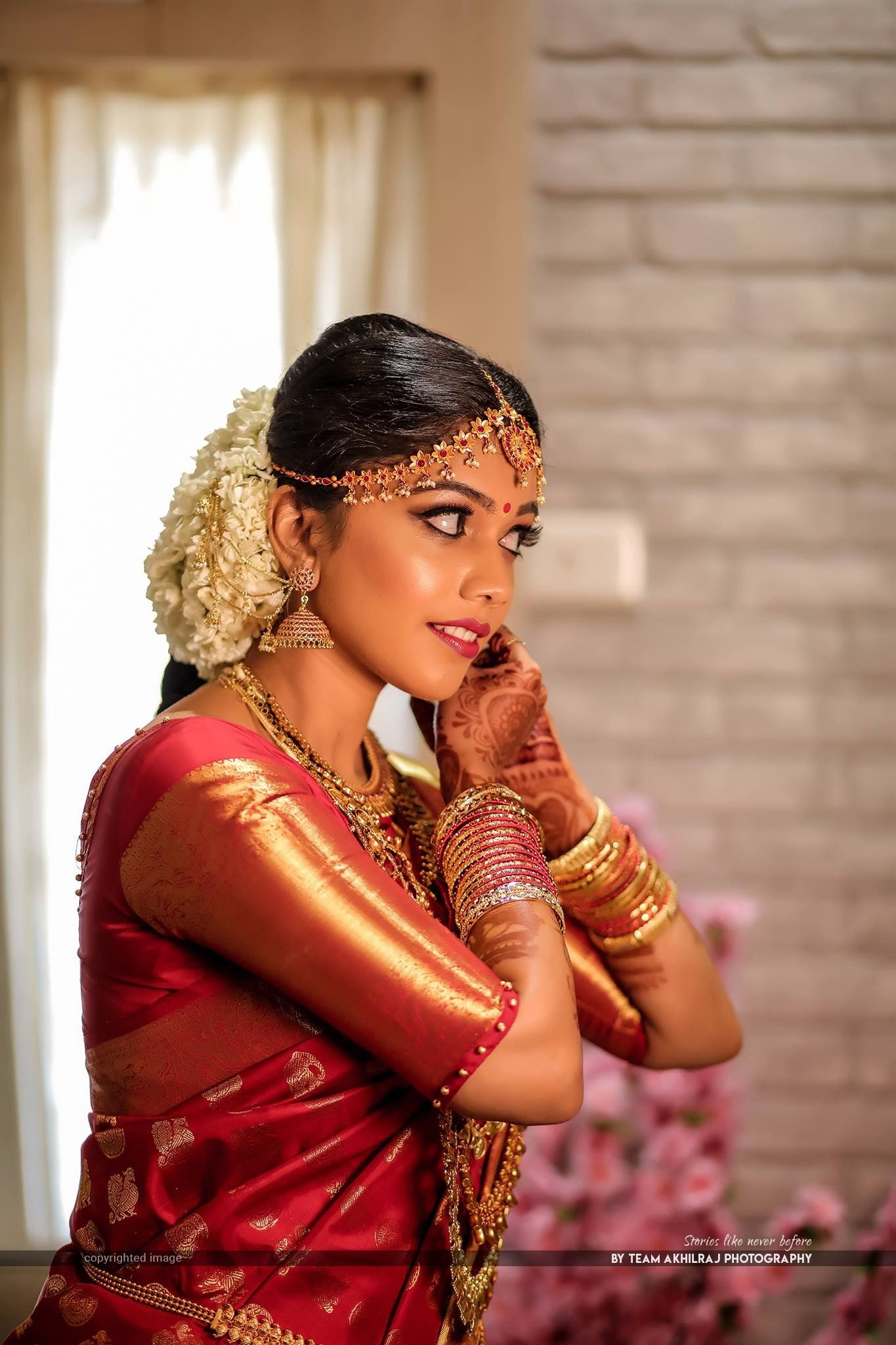South Indian Bride Gold Indian Bridal Jewelry Temple Jewelry Jhumkis Red Silk Kanch South Indian Bride Hairstyle Indian Bride South Indian Wedding Hairstyles