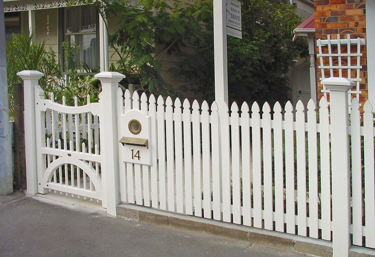 Picket Fence Wooden Gates Fences driveway gates Wooden