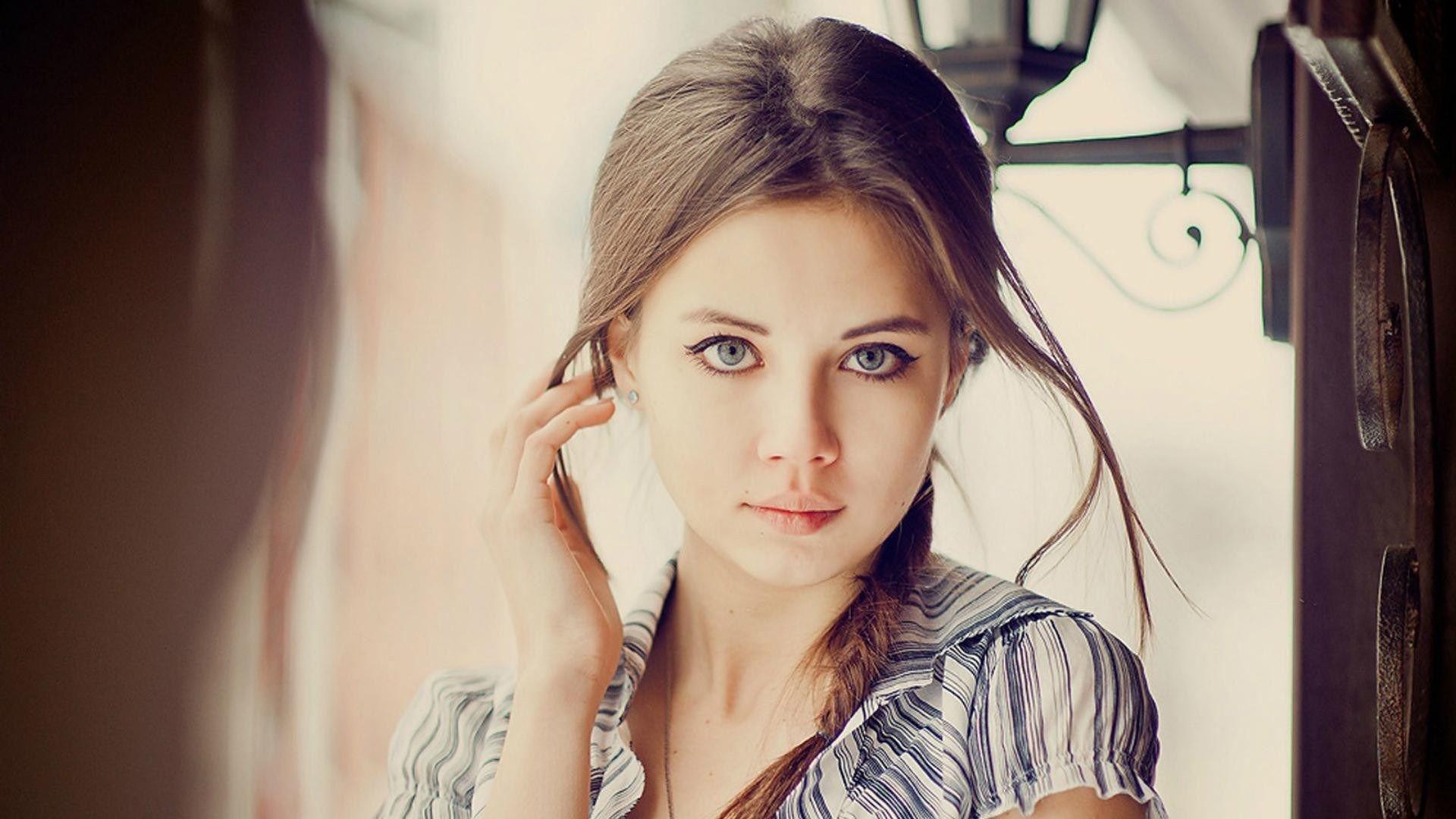 Photo Cute Girl Hd Wallpaper Freehdwall Com Free Hd Wallpapers