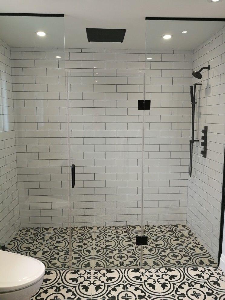 Black And White Master Bathroom Bathroomremodelapp Bathroom
