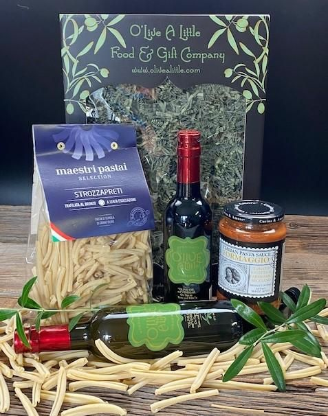 You can't go wrong with garlic! Classic and delicious! Gift Set is all packed into our O'Live A Little Big Brown Box and includes: Small: $42.99 375ml Bottle Garlic Lover's Extra Virgin Olive Oil Jar Cucina & Amore® Italian Pasta Sauce Formaggio - A traditional sauce from northern Italy. Prepared with a combination of tomatoes, ricotta cheese, parmigiano-reggiano cheese and seasoned with extra virgin olive oil. Only the finest and freshest ingredients are used to prepare this ancestral Itali
