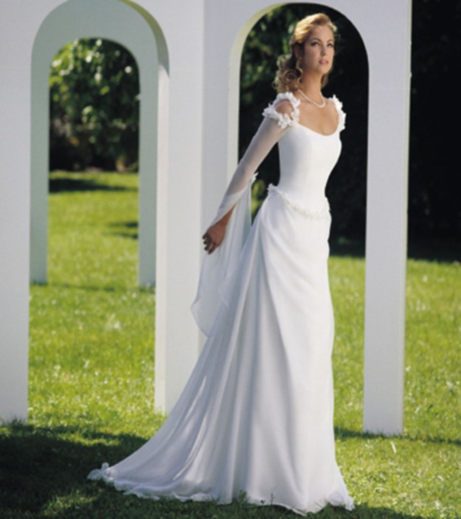 Celtic wedding dress   Cool and Modern Celtic Wedding Dresses Ideas  Celtic wedding