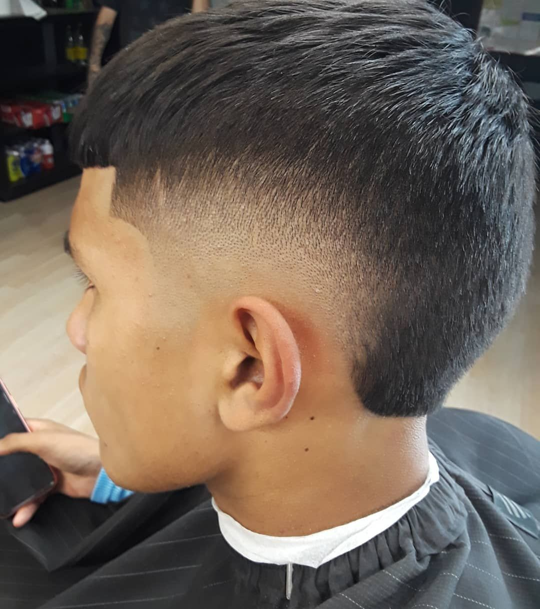 Burstfade Mohawk Fade Fadehaircut Barbero Barbershop Barberconection Fades Mens Hairstyles Short Fade Haircut Mens Haircuts Fade