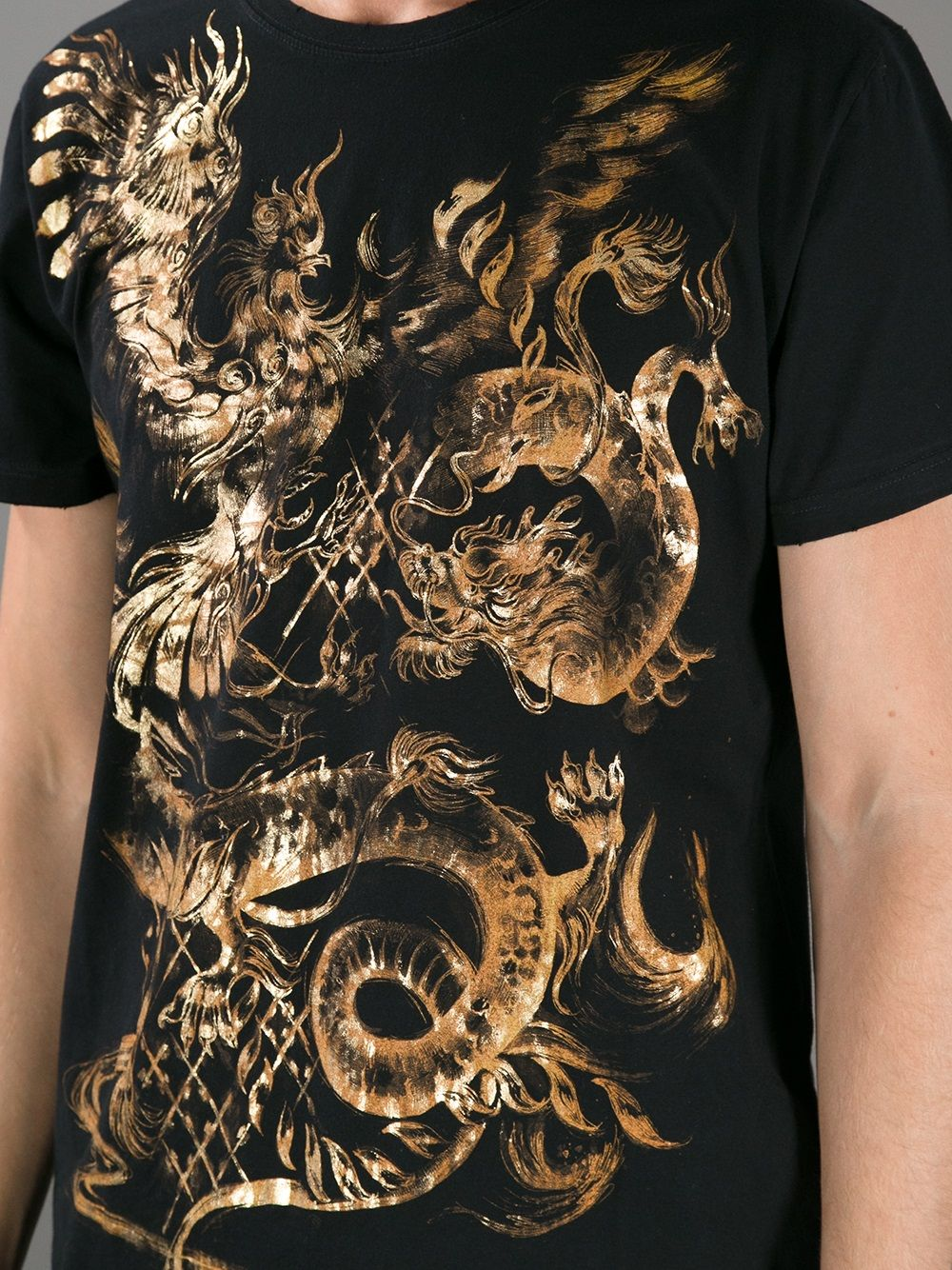 5fa7e132 Balmain Dragon Print T-shirt. | MEN'S STYLE in 2019 | Designer ...