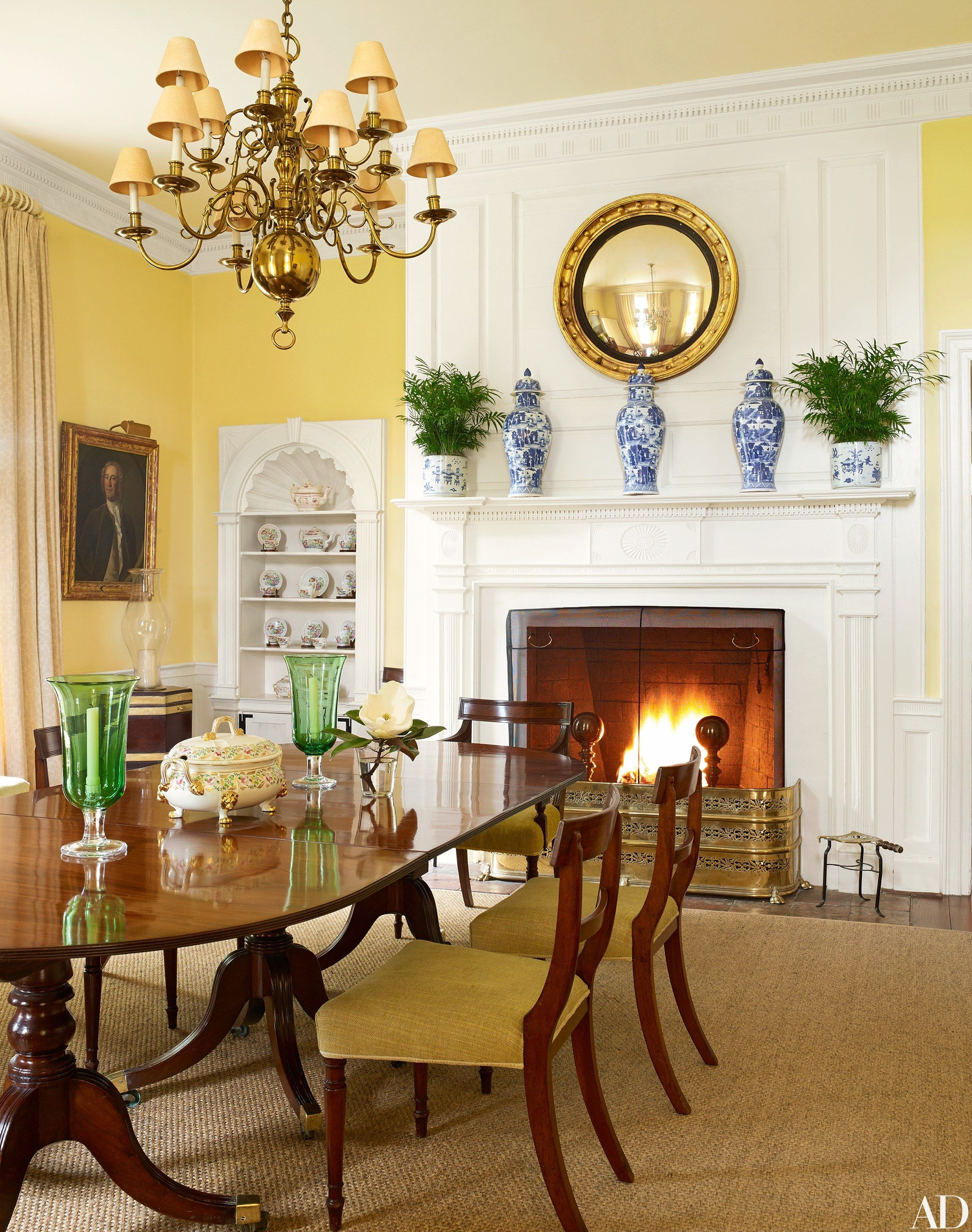 Dining Room Chandeliers Traditional A Traditional Dining Room Furnished With An Antique Chandelier And