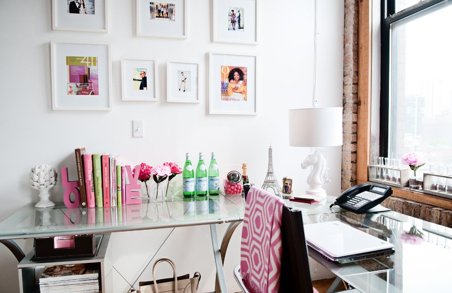 Chicago Office Space of Jenn Lake, Vice President of Zapwater Communications