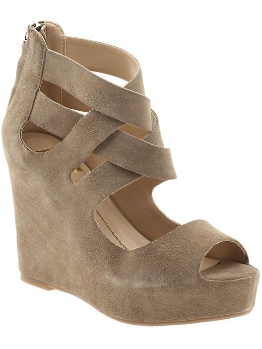 So cute, suede looking wedge with woven upper straps, heel cover, peep toe. Beige colour.