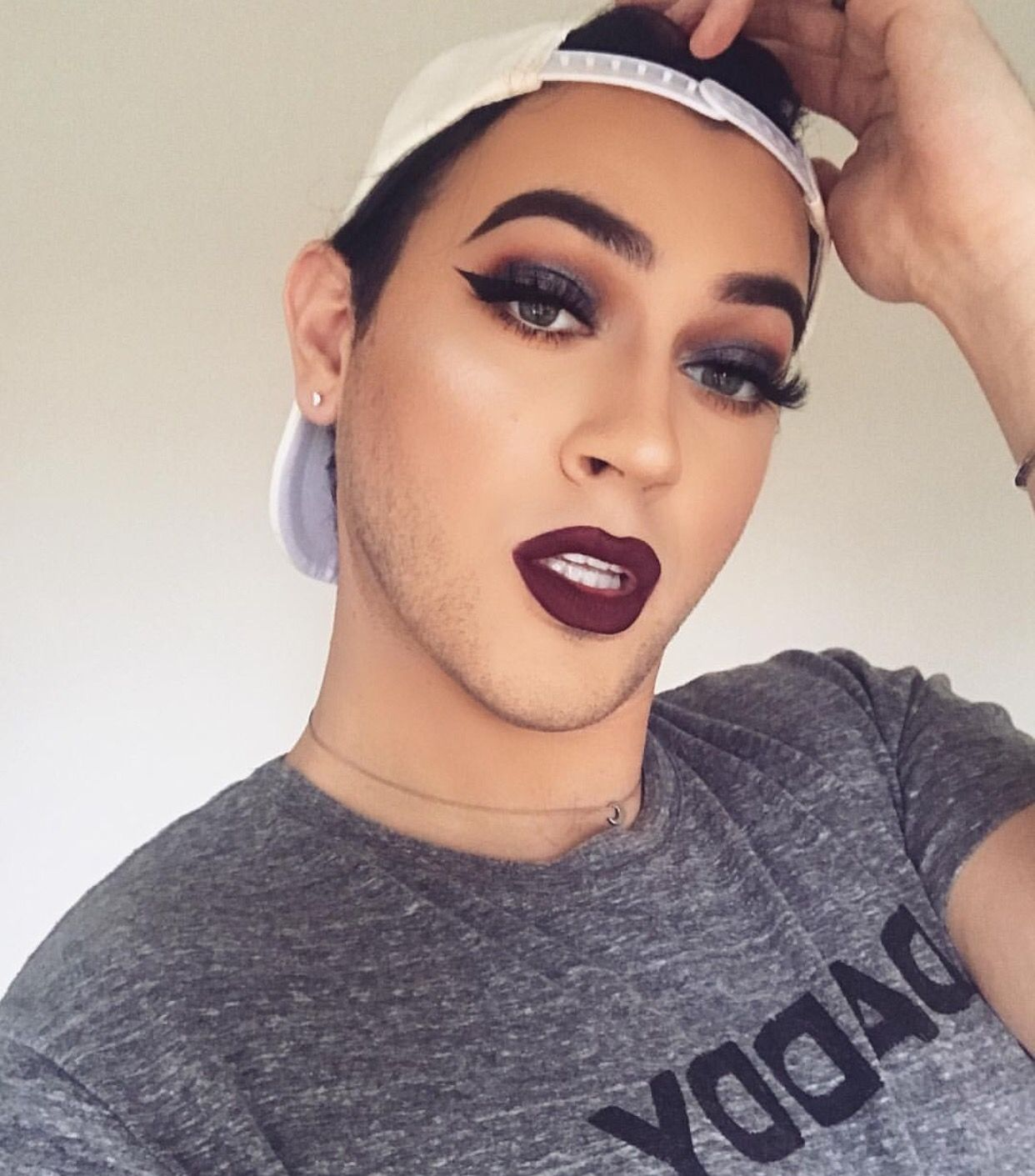 Pin by Daniel on Lipstick men Manny mua makeup, Manny