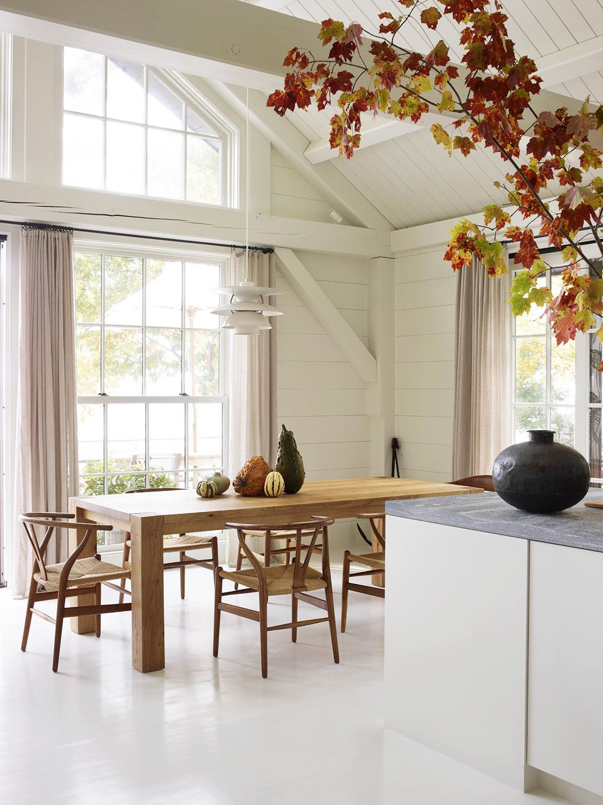 The Kerchum Residence Is A Perfect Mix Of Modern: House Tour :: This Seaside Cottage In Maine Is Basically My Dream Home
