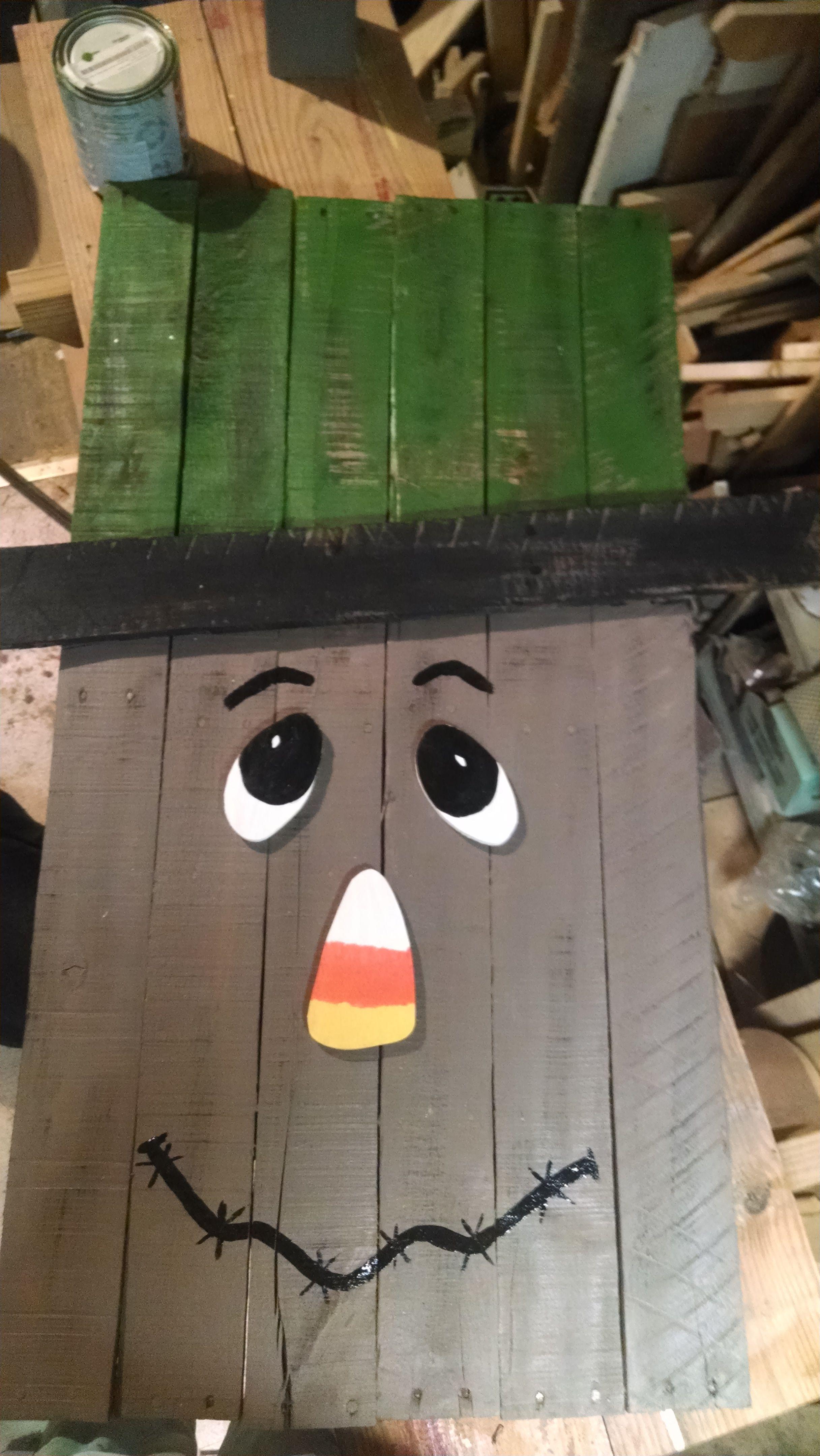 pallet scarecrow deko pinterest deko basteln und deko selber machen. Black Bedroom Furniture Sets. Home Design Ideas