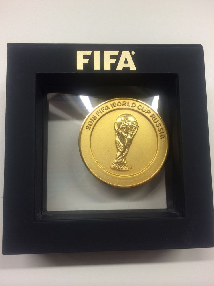 Fifa World Cup 2018 Russia Official Medal In Box Football Soccer Original Rarity Ebay