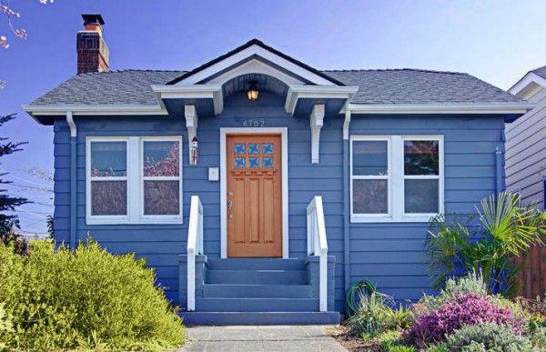 Casa color azul la magia del color pinterest color for Colores para fachadas de casas 2016
