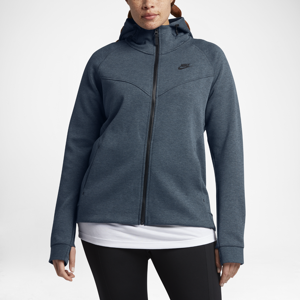 Nike Sportswear Tech Fleece (Plus Size) Women's FullZip