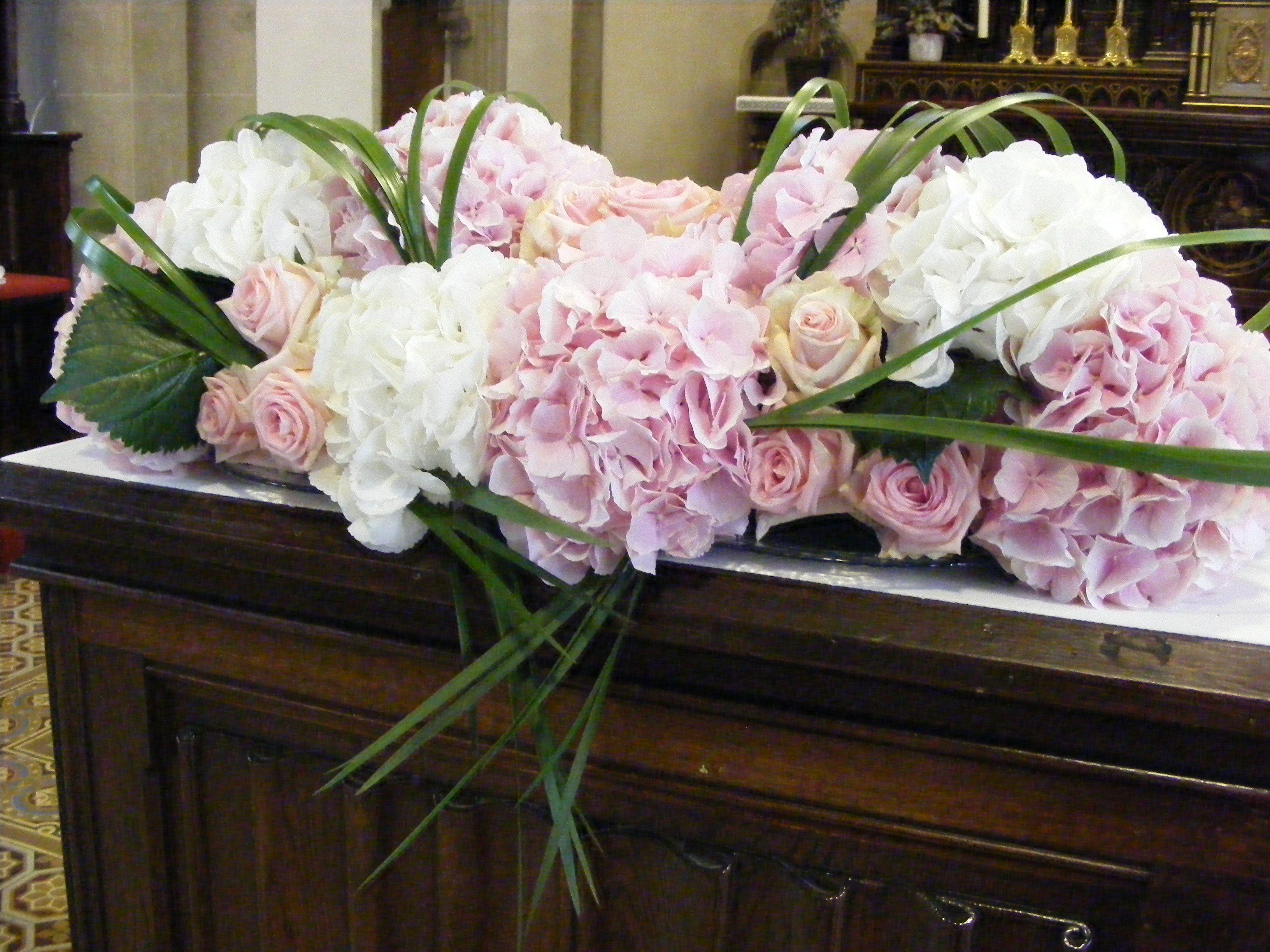 d coration d autel en hortensia rose p le et blanc mariage boda marta y juanma pinterest. Black Bedroom Furniture Sets. Home Design Ideas