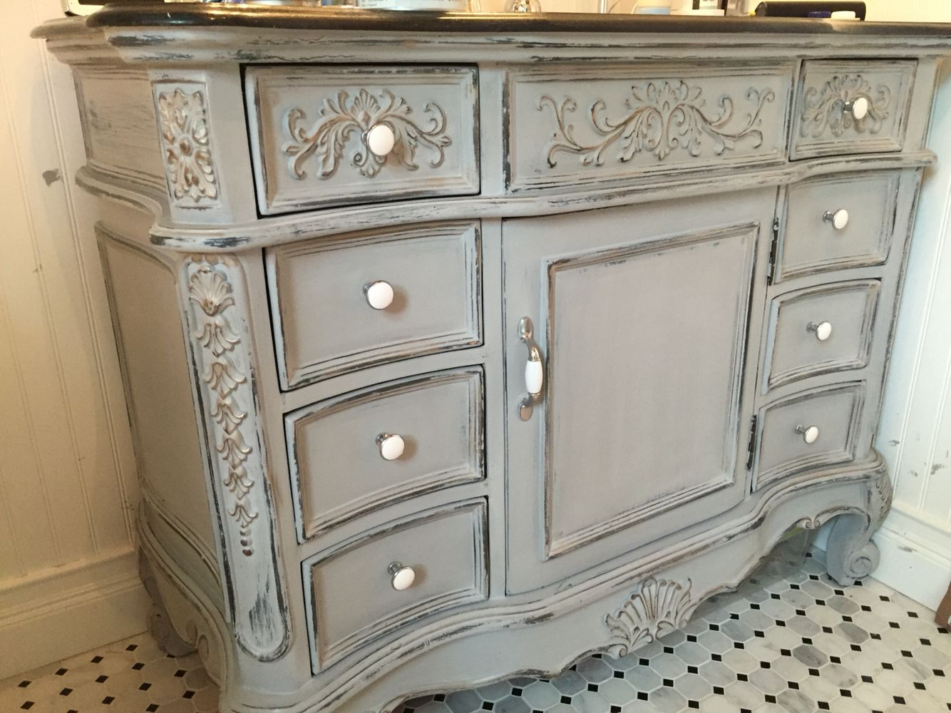 Annie Sloan Paris Grey And German Silver Gilding Wax Over Black Vanity Painted Furniture Designs Annie Sloan Furniture Silver Painted Furniture