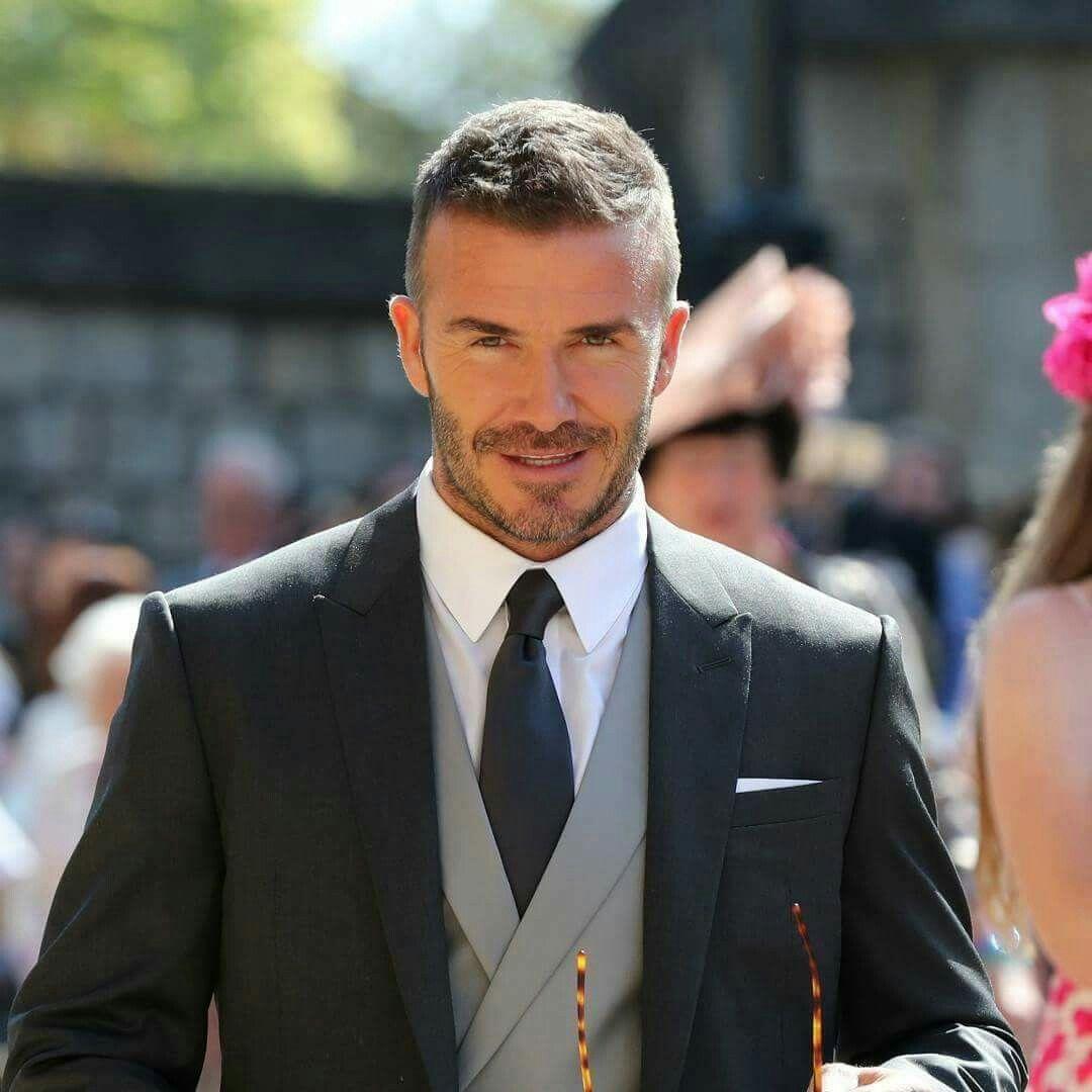 La mulți ani, David Beckham!