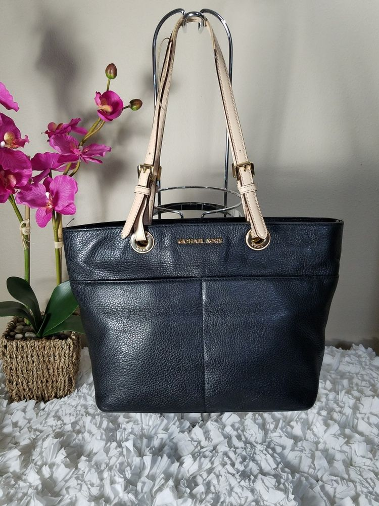 0d41c51ff7b1 Michael Kors Jet Set Item Top Zip Tote – Black Gold | The Xander ...