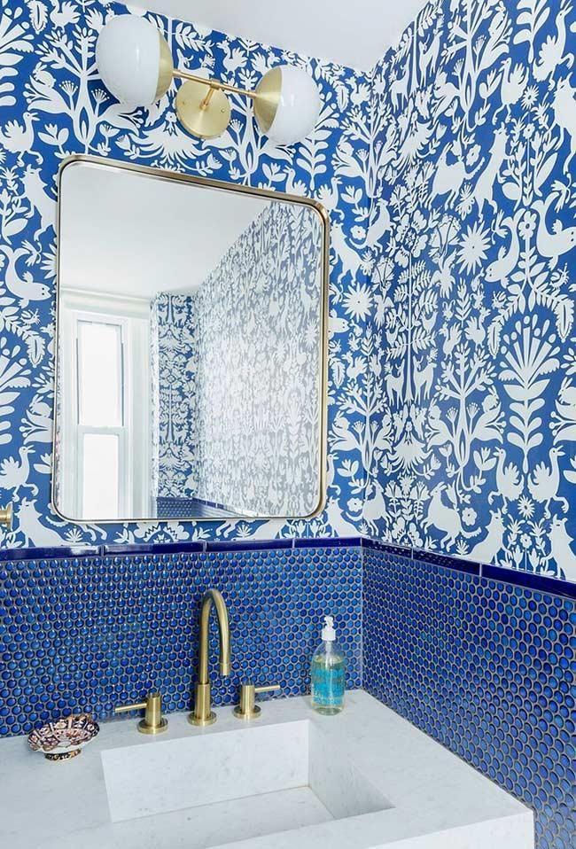 Blaues Badezimmer Ideen Und Tipps Um Die Umgebung Mit Dieser Farbe Zu Dekorieren Neu Dekoration Stile Blaue Badezimmerfliesen Tolle Badezimmer Badezimmer Tapete