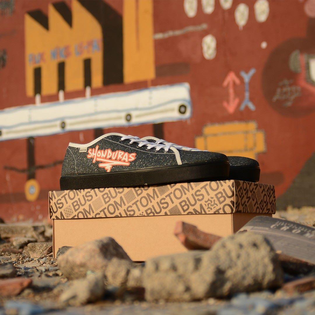 Elevamos la personalización al siguiente nivel.__ #bustom #bustomshoes #zapatillaspersonalizadas #customshoes #makethemownthem #zapatos #zapatillas #moda #diseño #arte #foto