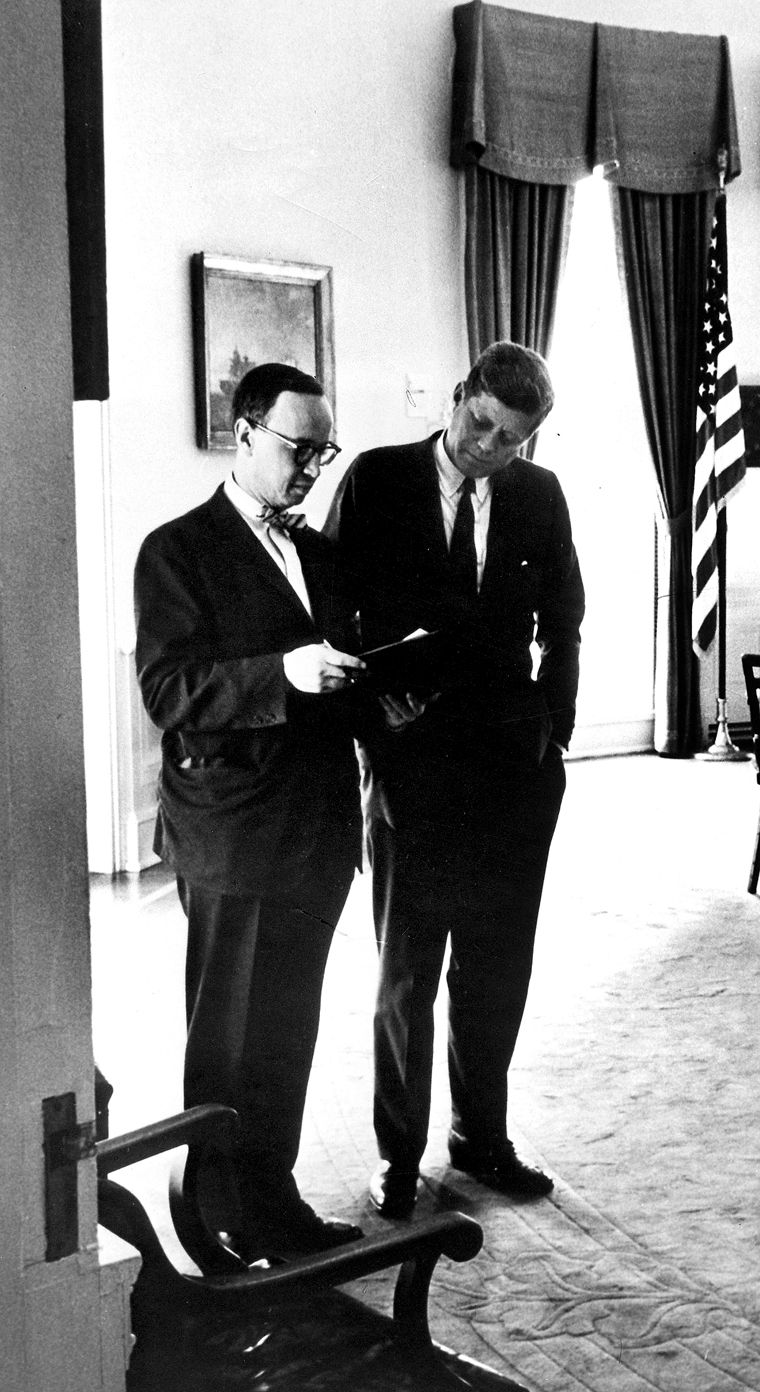 john f kennedy oval office. President Kennedy Confers With Arthur M Schlesinger Jr In The Oval Office Of White House, 26 July John F L