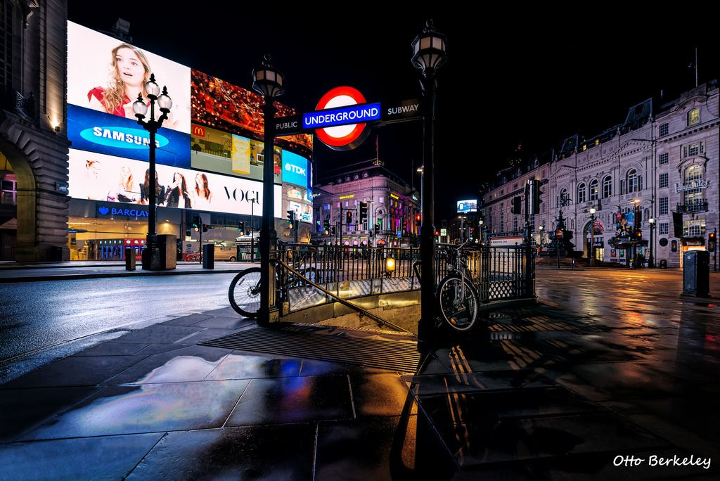 Piccadilly Circus at Night  | Flickr - Photo Sharing!