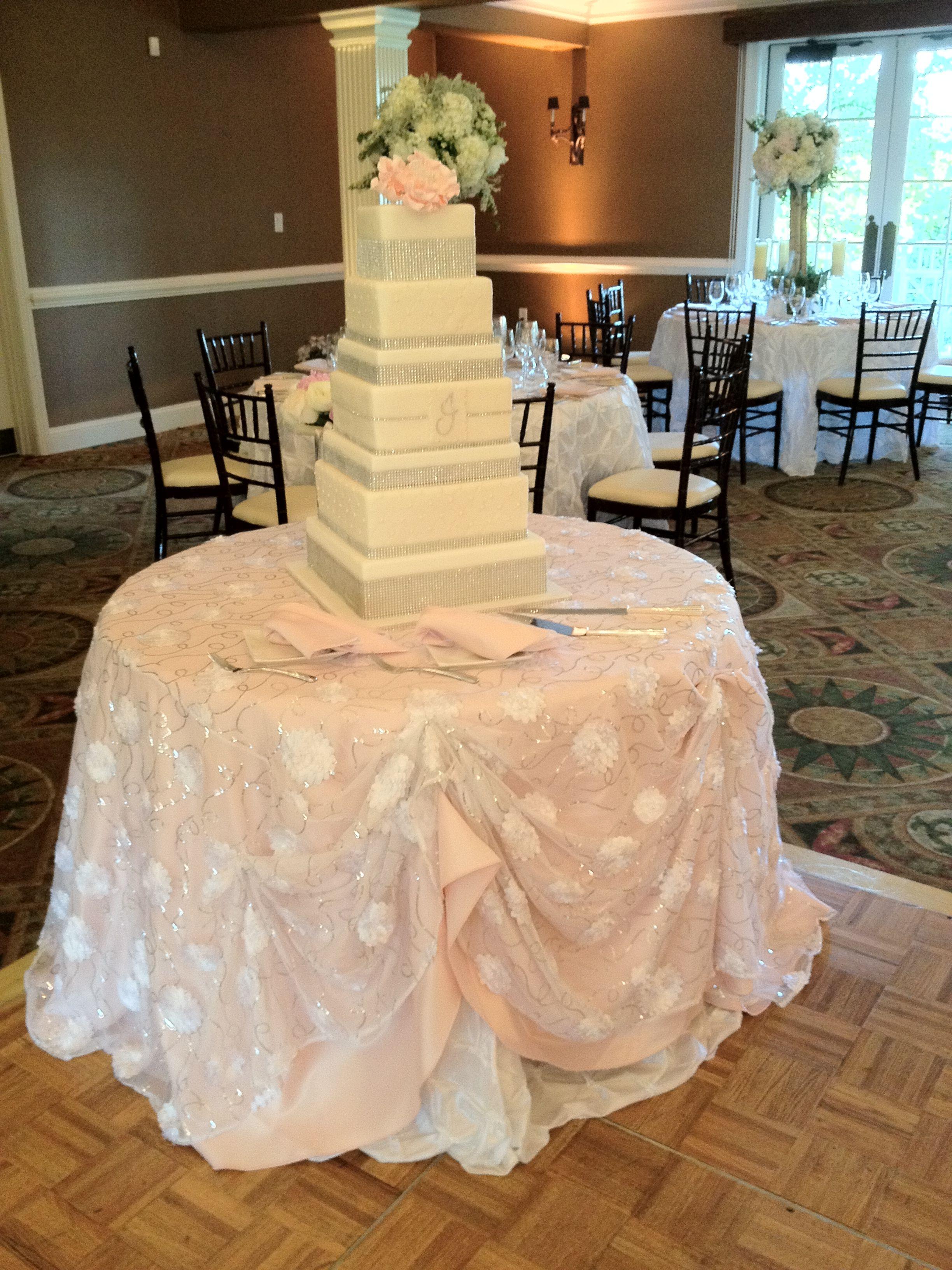 www.idolinens.com #wedding #caketable | I Do Linens – Cake Tables ...