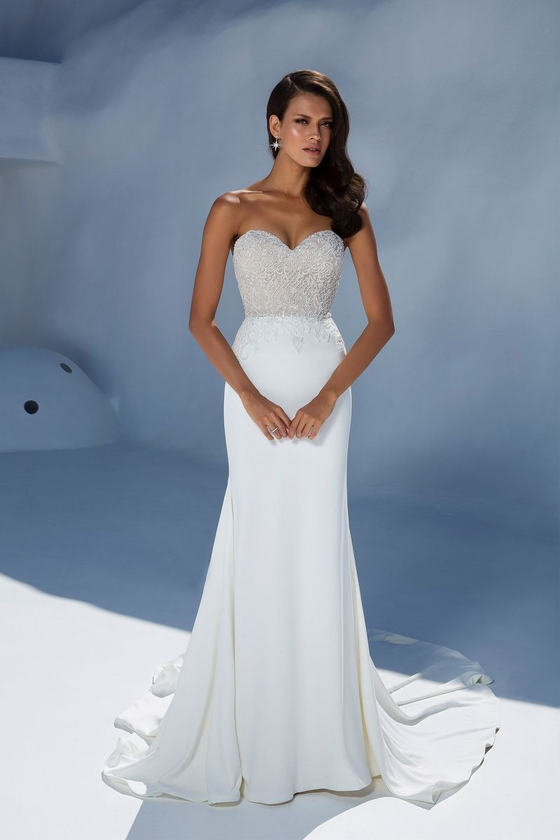 fb32c36c5c5d Justin Alexander 88004 Ivory/Ivory Size 12: Beaded Bodice with Crepe Fit  and Flare Skirt