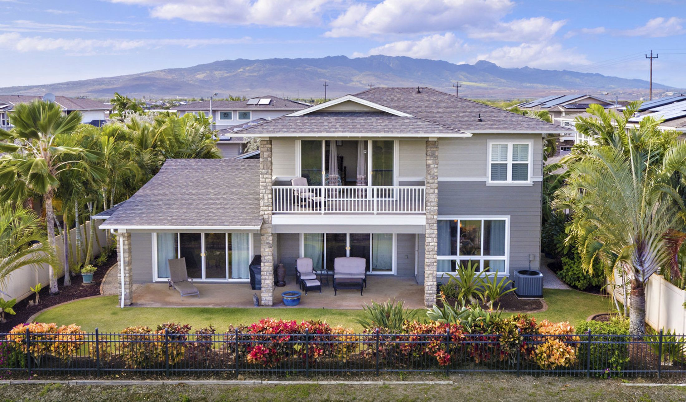 Upgraded View Centric Home In Ewa Beach