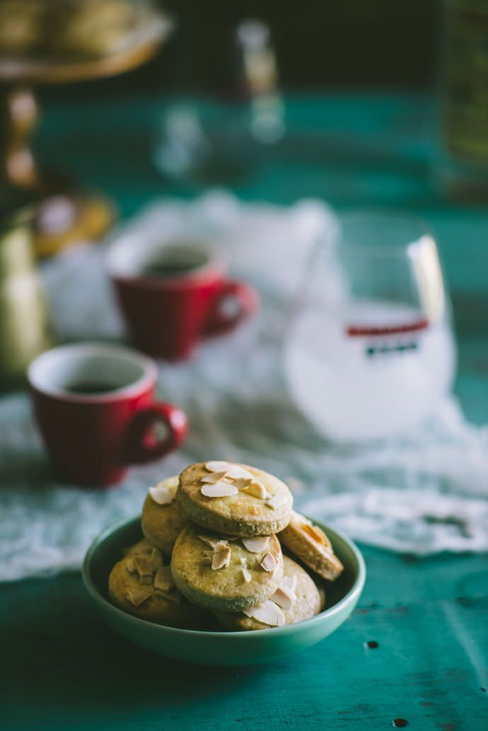 Ouzo and Lemon Biscuits