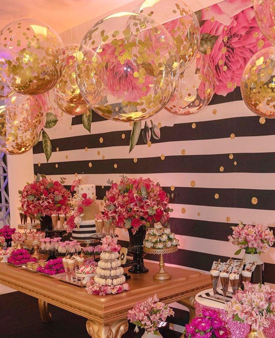 A Imagem Pode Conter 1 Pessoa Flor Birthday Party Decorations Birthday Parties Party Decorations