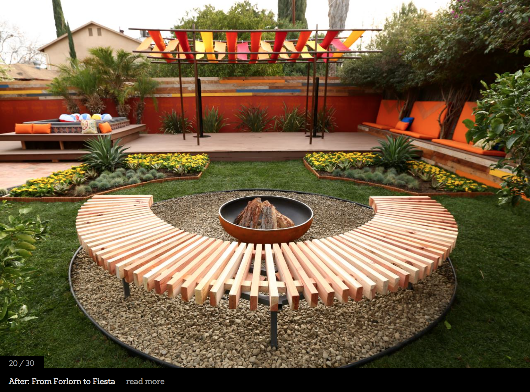 Fire Pit On Contained Pebble Circular Space With Semi Circle Slated Bench Backyard Seating Diy Backyard Budget Backyard