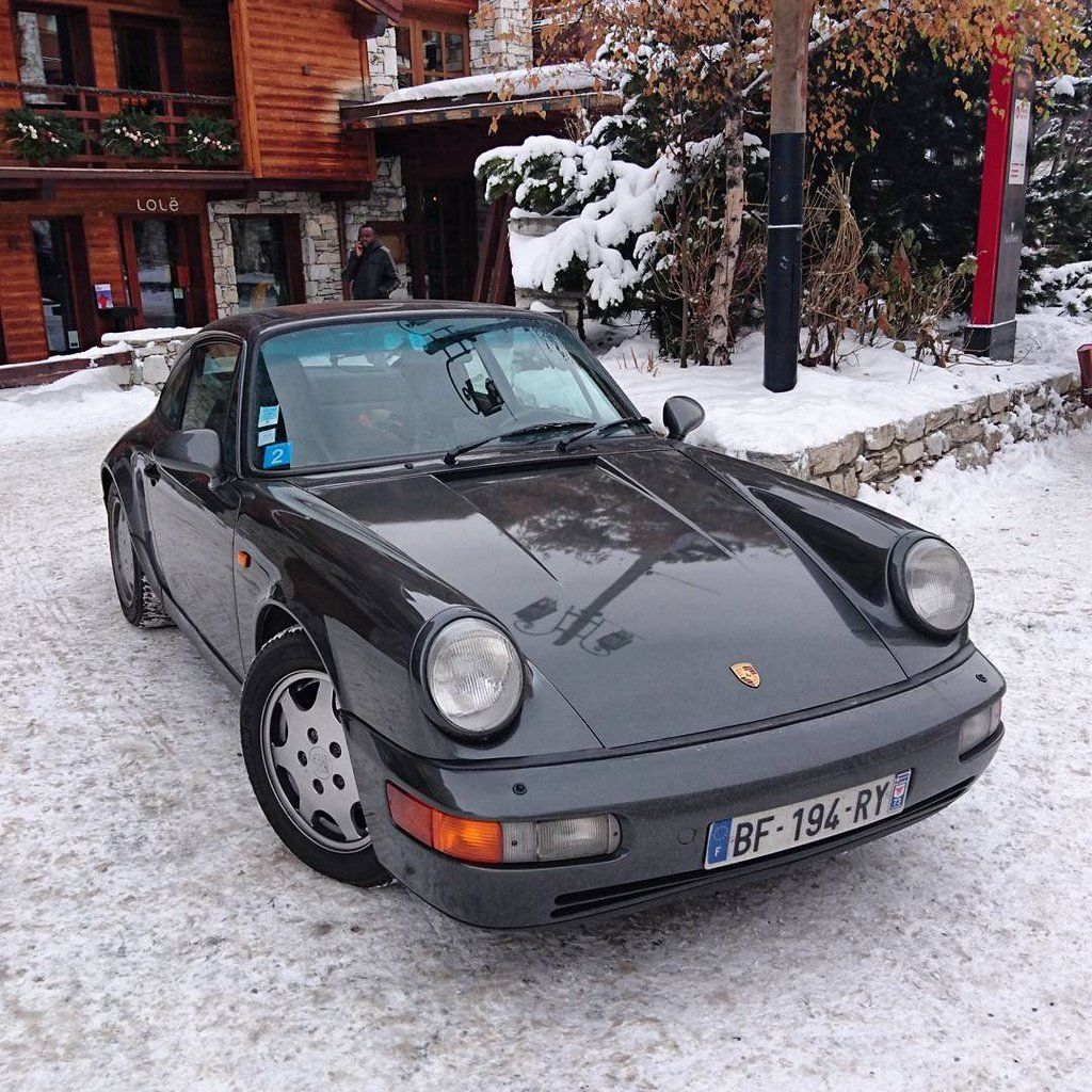 Porsche 964, out for skiing