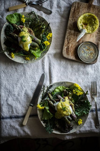 asparagus benedict on quinoa nettle cakes with lovage & mint aioli by Beth Kirby | {local milk},