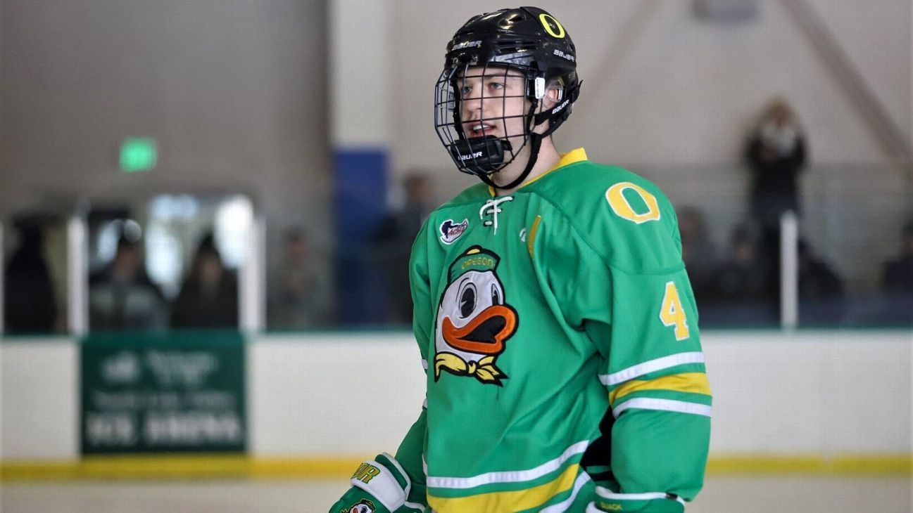 Ranking The Best Club Hockey Jerseys For Bowl Bound Schools Why Oregon Is No 1 College Hockey Best Club Hockey Jersey