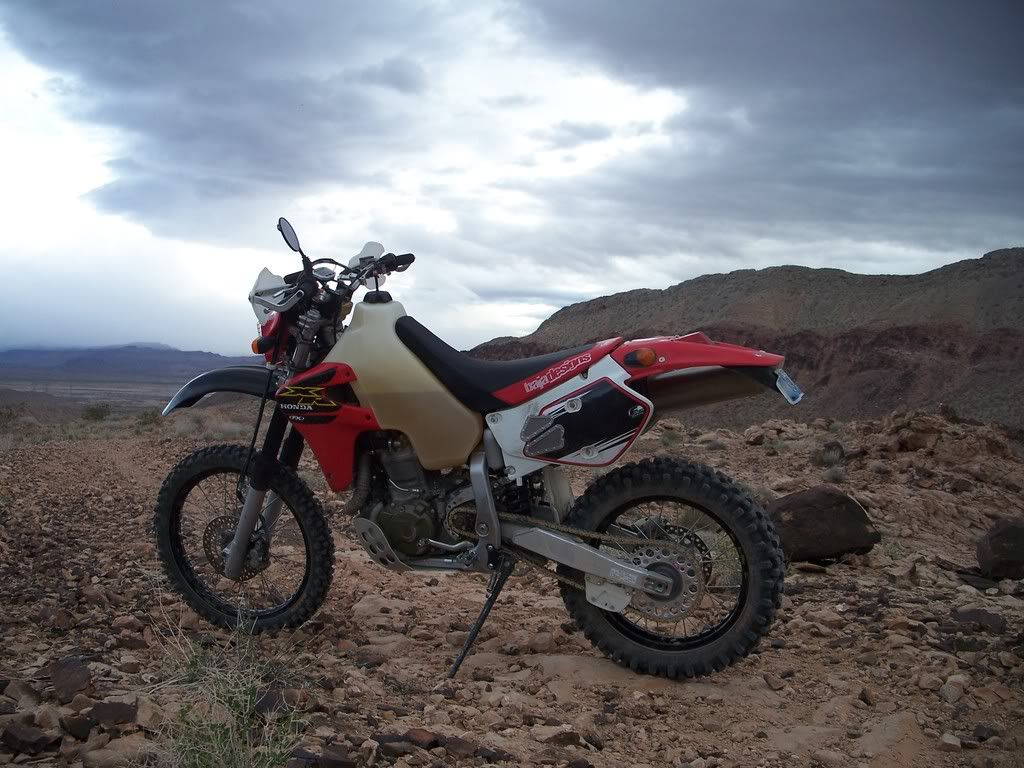 A true man's bike, the Honda XR650R | Dirtbikes | Enduro