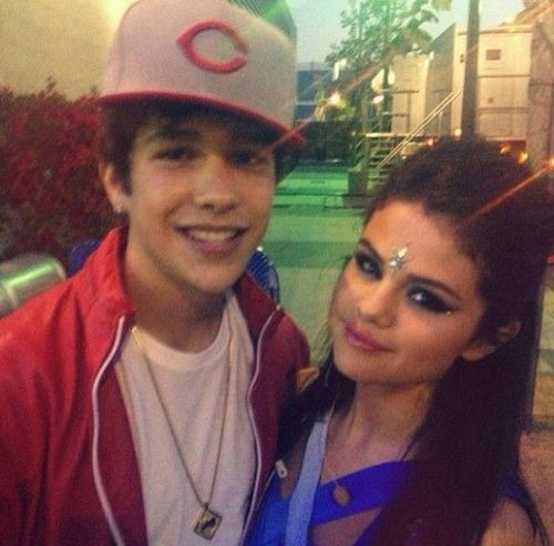 Austin Mahone Opens Up About Hookup Selena Gomez