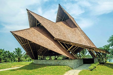 25 Best Indonesia Tourism Objects For Your Itinerary Roof Architecture Architecture Model Resort Architecture