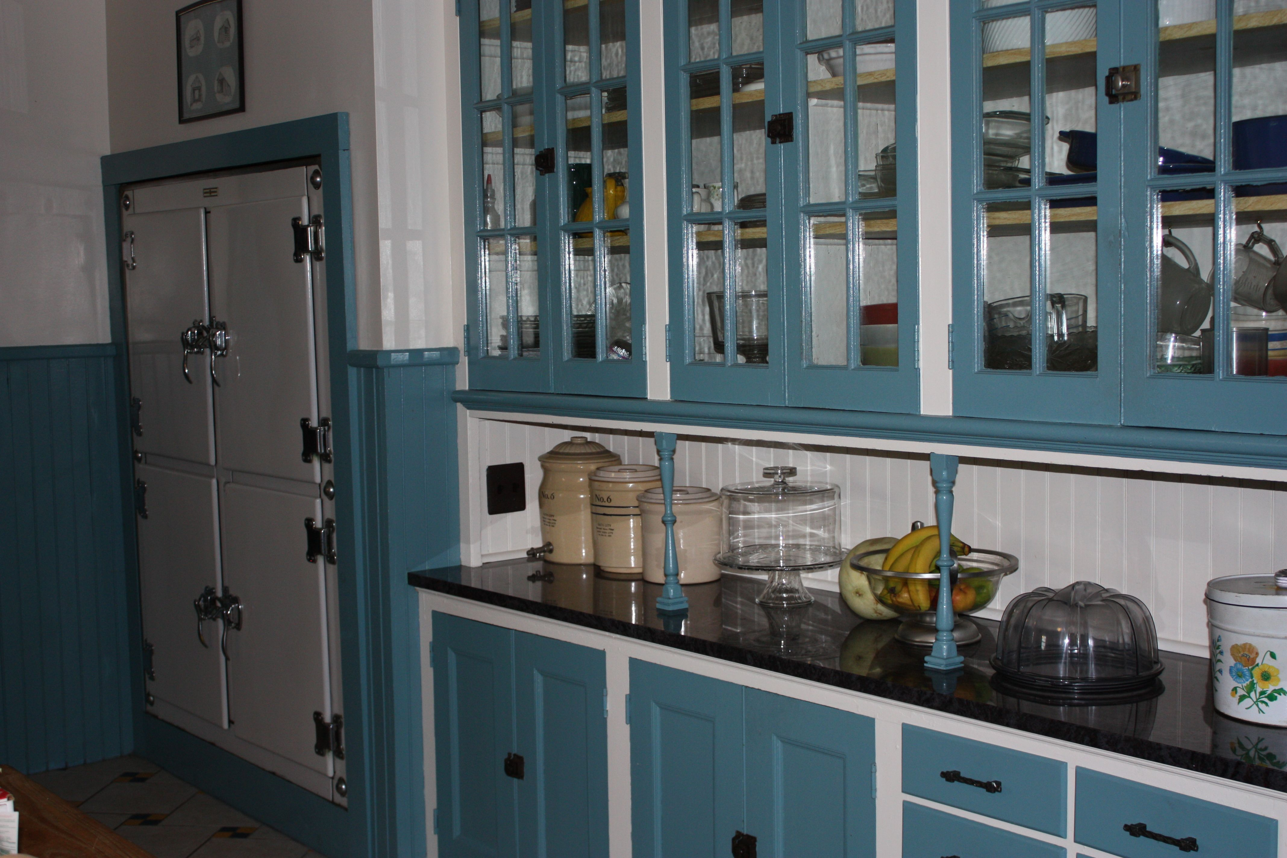 Vintage 1930s Kitchen Cabinets For Storage Ideas. Interior. Bendut ...
