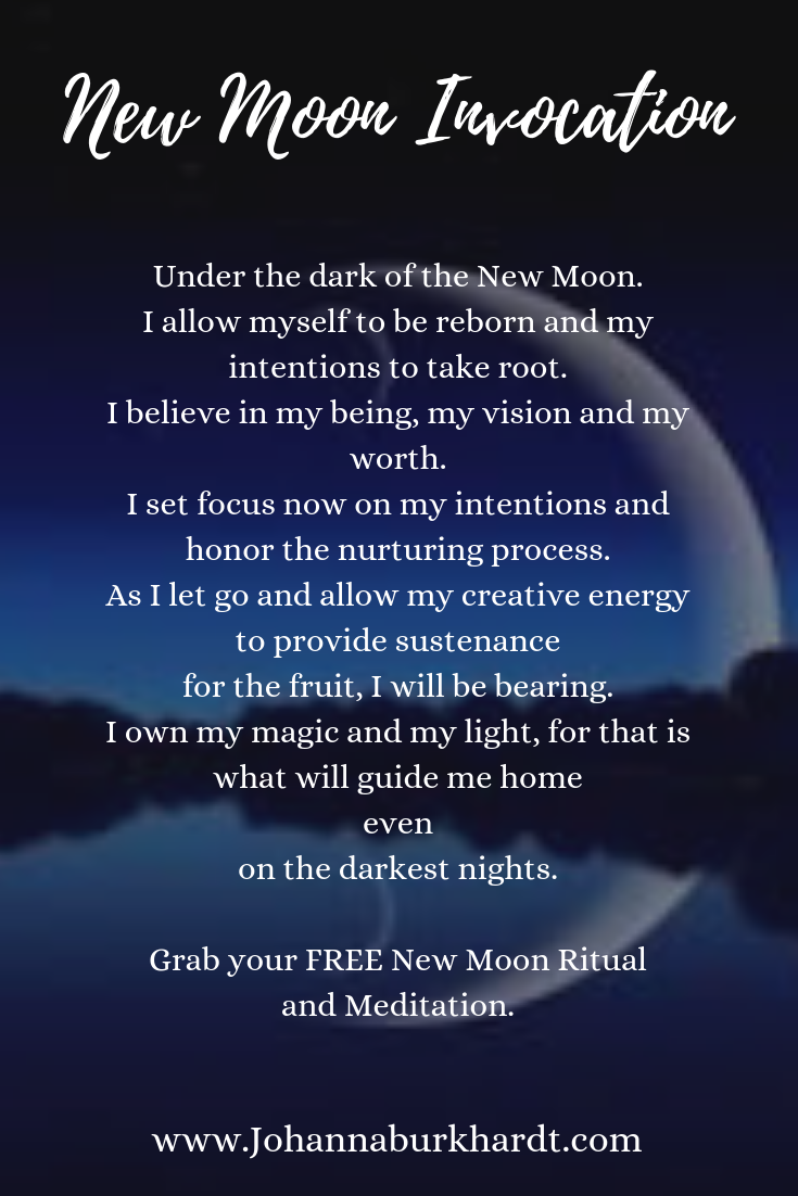 The power of projection and the shift that needs to happen. How are yo #newmoonritual Have you ever done a New Moon ritual? A New Moon ritual is a time for new beginnings and initiation. Click here to read about how to preform a New Moon ritual and let go of your patterns! New Moon Ritual | Initiation | New Beginnings #NewBeginnings #NewMoonRitual #Rituals #TheSoulShaman #newmoonritual