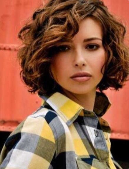 Pin By Barbara Gallaher On Hairstyles Curly Hair Styles Short