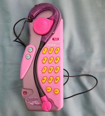Clueless phone! I had this. My friends and I had so much fun changing our voices.
