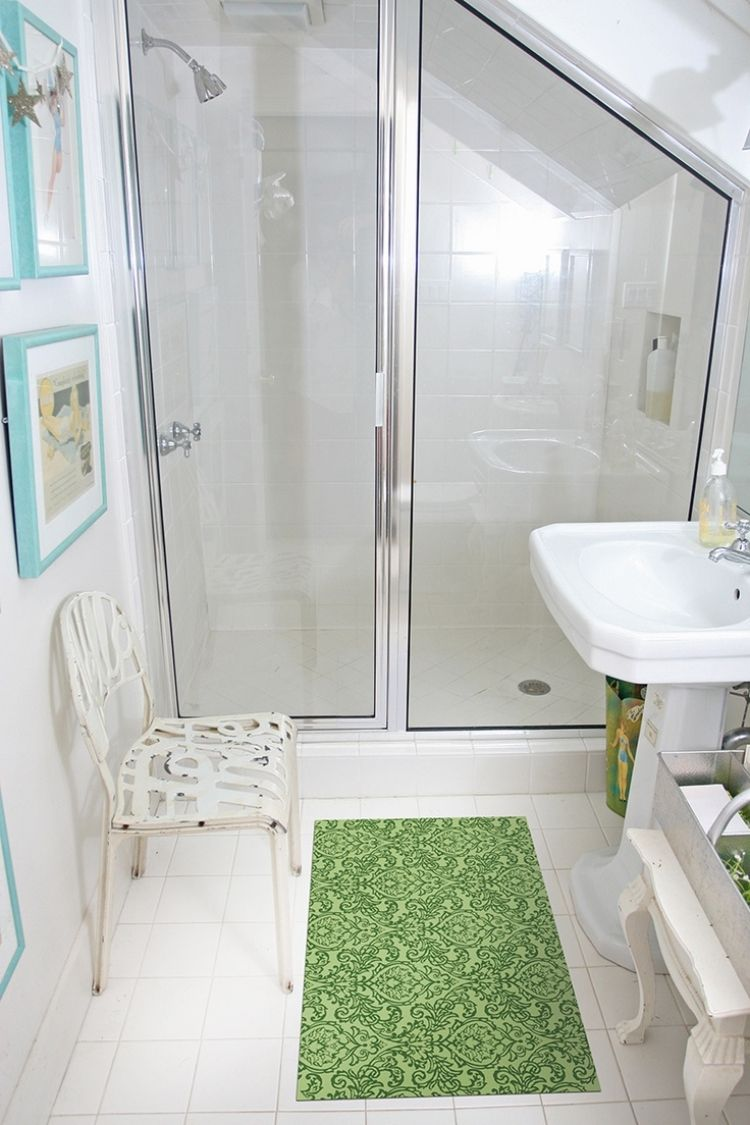 kleine zimmerdekoration badezimmer idee grun, weiße bad fliesen und akzente in grün und aqua | bäder | pinterest, Innenarchitektur