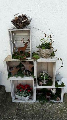 obstkistenregal mit weihnachtsdeko deko pinterest weihnachten weihnachtsdekoration und. Black Bedroom Furniture Sets. Home Design Ideas