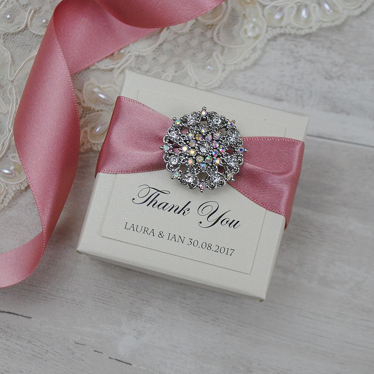 Exclusive Handmade Favour Boxes And Gorgeous Luxury Wedding